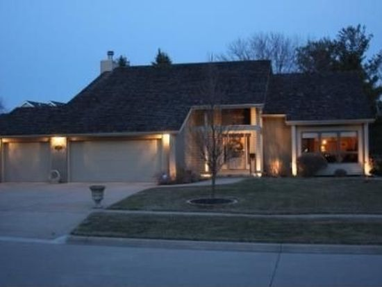 313 46th Pl, West Des Moines, IA 50265