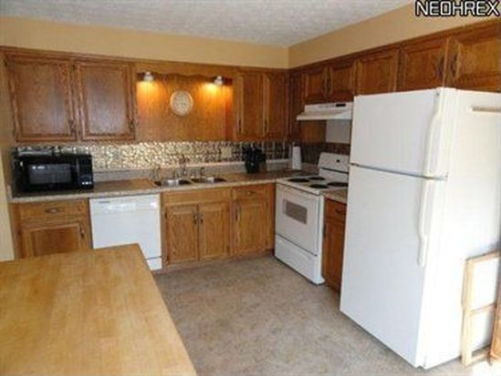 2560 Sears Rd, Stow, OH 44224