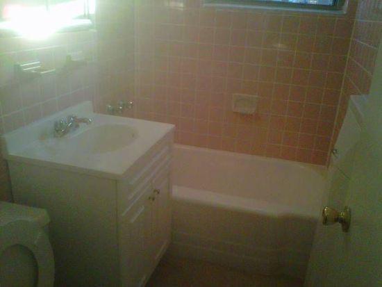 6301 Wetherole St, Flushing, NY 11374
