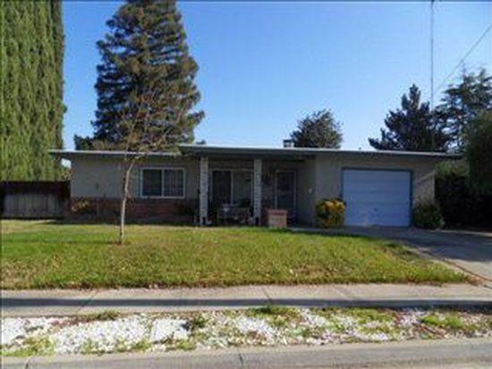 245 School Ave, Oakdale, CA 95361