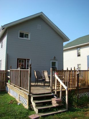 3209 Skellie Ave, Erie, PA 16510