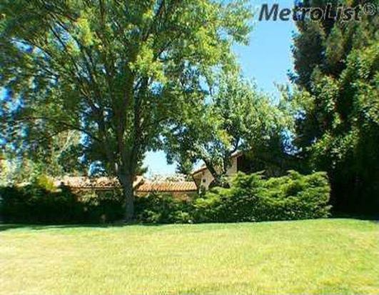 11301 Valley Oak Dr, Oakdale, CA 95361