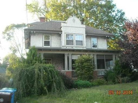 158 Meadow Rd, Woonsocket, RI 02895