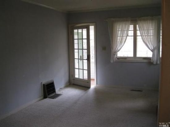 8 Manor Rd, Fairfax, CA 94930