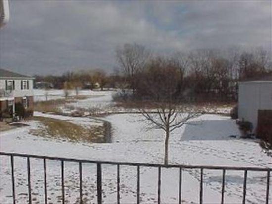949 Golf Course Rd APT 7, Crystal Lake, IL 60014