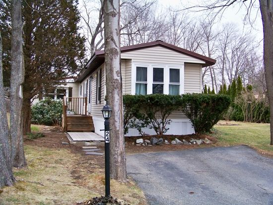 24 Sandpiper Path, North Hampton, NH 03862
