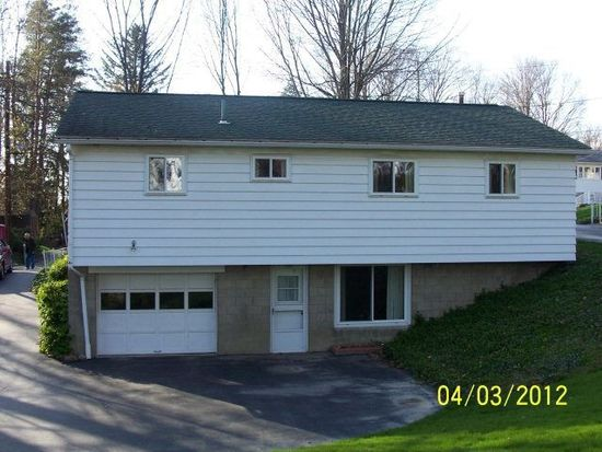 699 Ellis Ave, Meadville, PA 16335