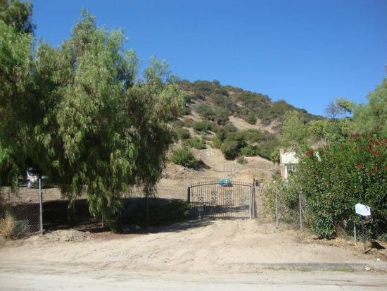 10701 Tuxford St, Sun Valley, CA 91352