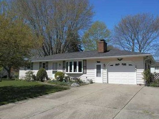7674 Lakewood Dr, Fairview, PA 16415