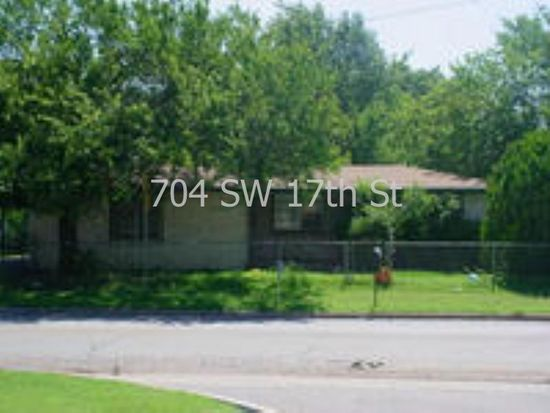 704 SW 17th St, Lawton, OK 73501