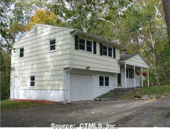 23 Norman Dr, Gales Ferry, CT 06335