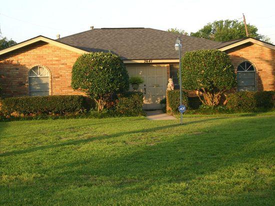 2641 Oak Ave, Groves, TX 77619