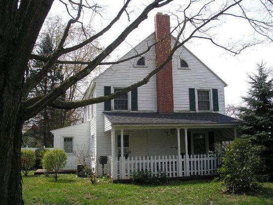 365 Woodland Pl, Meadville, PA 16335