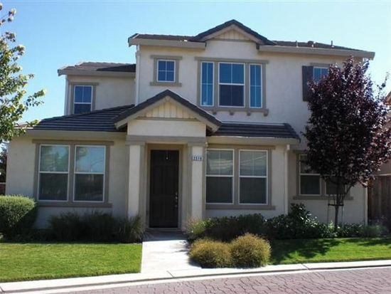 2516 Cottage Pointe Dr, Riverbank, CA 95367