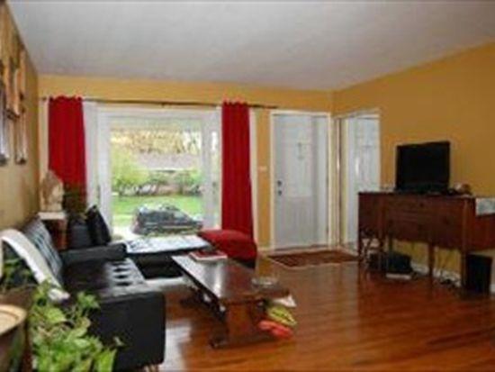 790 Evanston St, Hoffman Estates, IL 60169
