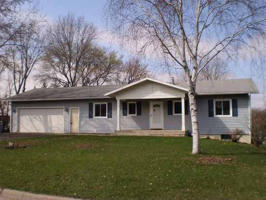 1027 10th Ave N, Sauk Rapids, MN 56379