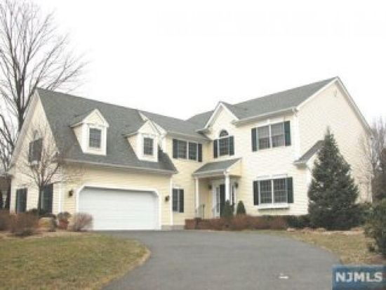 205 Wiltsie Ct, Wyckoff, NJ 07481
