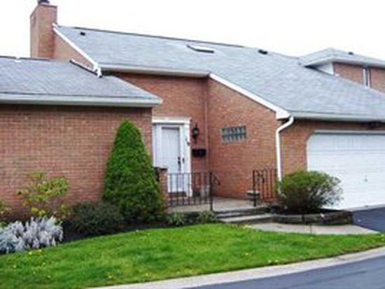 19 Wellington Ct, Williamsville, NY 14221