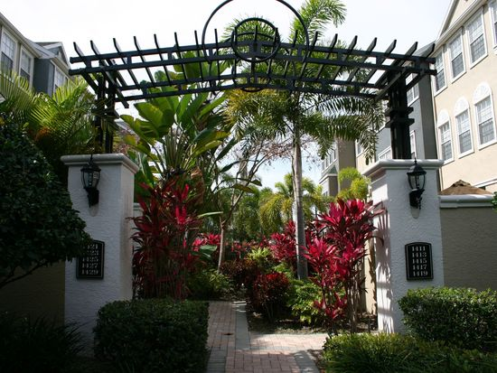1427 Harbour Walk Rd, Tampa, FL 33602