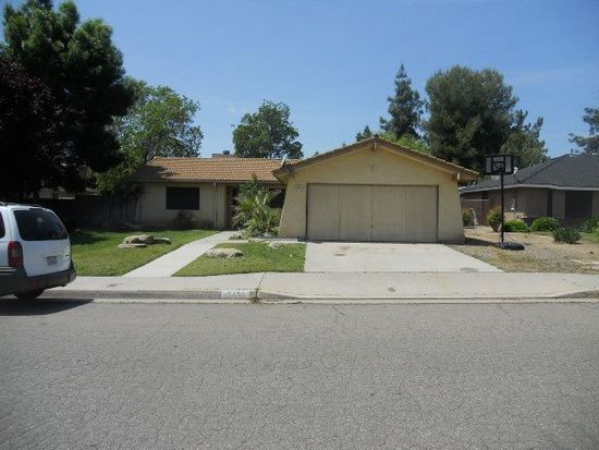 3420 Sunnyside Ave, Clovis, CA 93611