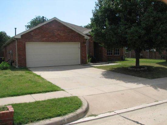 8101 Swan Park Dr, Denton, TX 76210