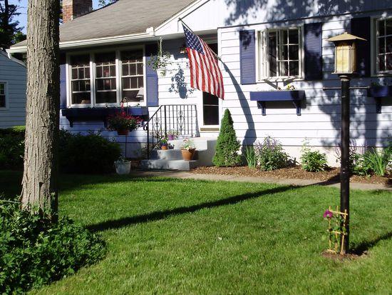 32 Elizabeth Ln, Saratoga Springs, NY 12866