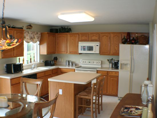 9141 Oakview Ct, Twinsburg, OH 44087