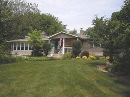 7286 Water St, Fairview, PA 16415