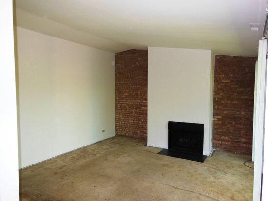 6023 Forest View Rd APT 2E, Lisle, IL 60532