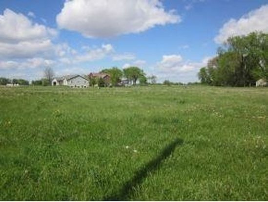 702 Countryside Ct, Fairwater, WI 53931