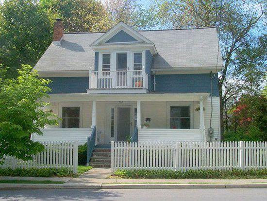 11 Beechwood Ter, Poughkeepsie, NY 12601