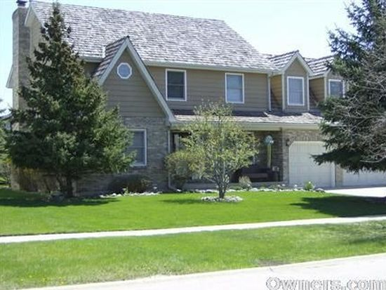 433 Sommerset Dr, Grayslake, IL 60030