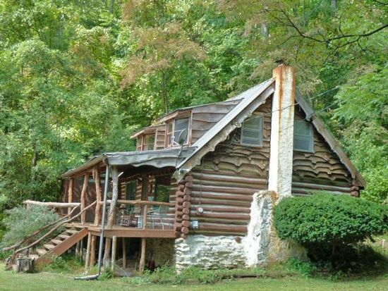 546 Moody Cove Rd, Weaverville, NC 28787