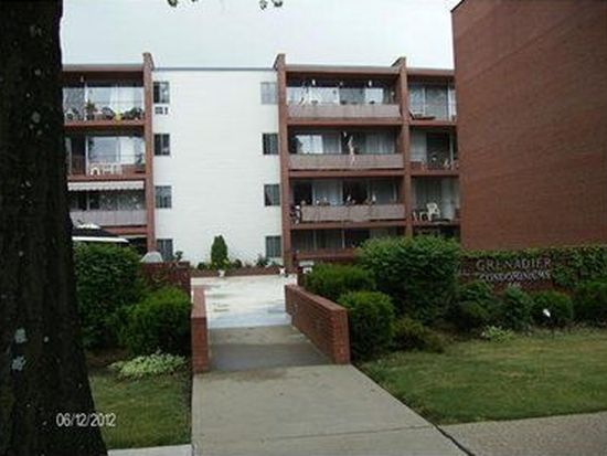 446 Hoodridge Dr APT 408, Pittsburgh, PA 15234