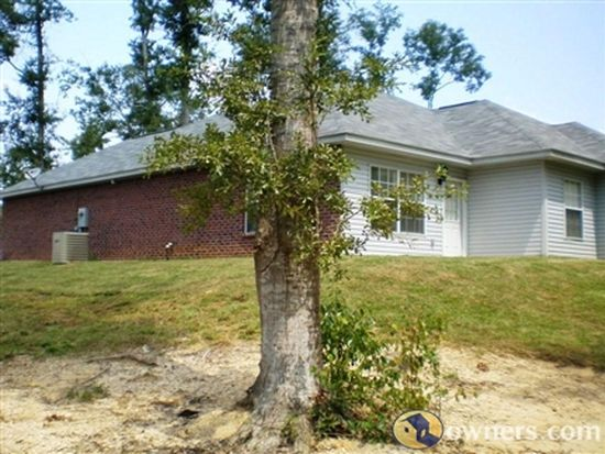 27 Maroon Dr, Picayune, MS 39466