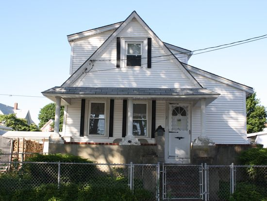 1 Bradley Ave, Taunton, MA 02780