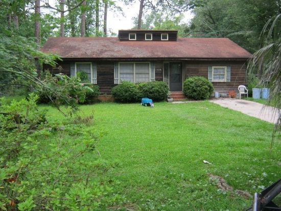 1314 10th St SW, Moultrie, GA 31768