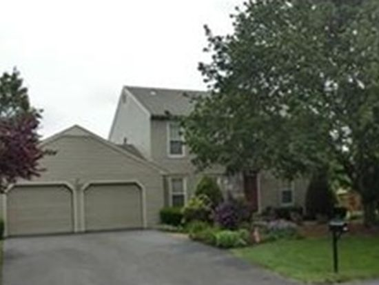 1379 Country Club Rd, Wescosville, PA 18106