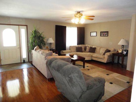 604 S Pleasant Hill Rd, East Peoria, IL 61611