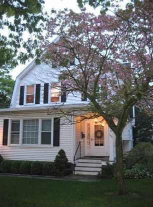144 Milbank Ave, Greenwich, CT 06830