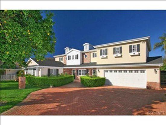 20613 Wells Dr, Woodland Hills, CA 91364