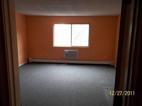 355 Pawtucket Blvd UNIT 26, Lowell, MA 01854