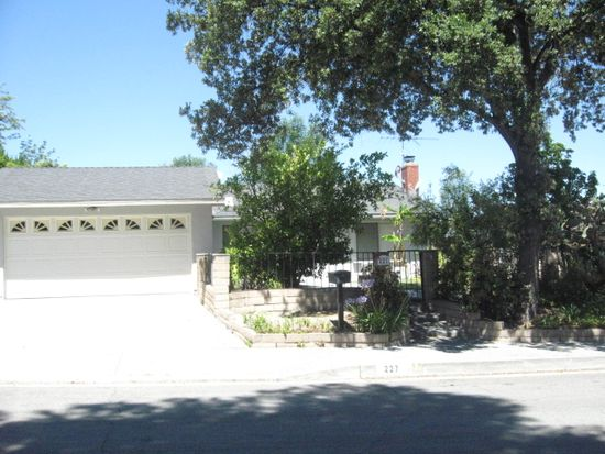 227 Red Cloud Dr, Diamond Bar, CA 91765