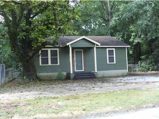 317 Pine St, Prichard, AL 36610