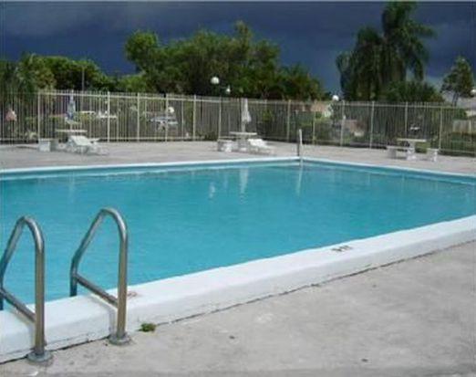 12820 SW 43rd Dr APT 132, Miami, FL 33175