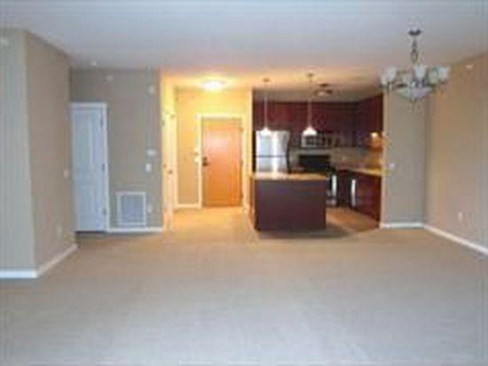 1070 Grandview Ct NE APT 404, Columbia Heights, MN 55421