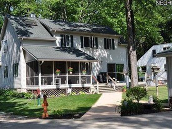 6160 Barton Rd, North Olmsted, OH 44070
