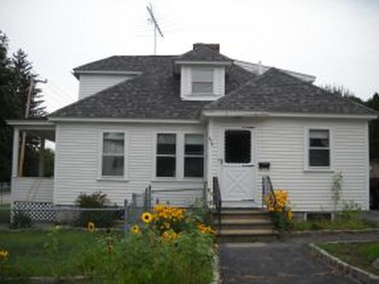 675 Calef Rd, Manchester, NH 03103