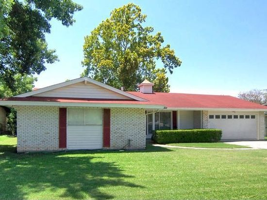 318 Coronet St, San Antonio, TX 78216
