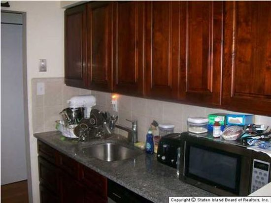 892 Armstrong Ave APT 2-1, Staten Island, NY 10308